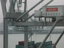2 container cranes (ship to shore)